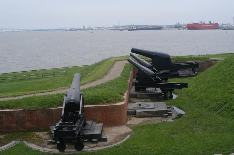 Fort_mc_henry_cannon_Baltimore